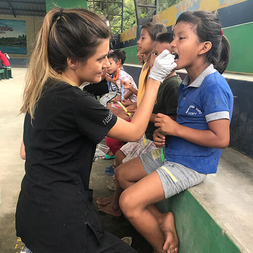 Serving Dentistry in Ecuador with MedLife 3